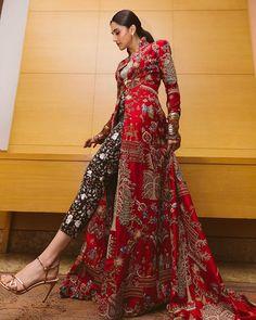 Tapsee Pannu in Anamika Khanna – Pia Ka Ghar Dress Indian Style, Indian Fashion Dresses, Indian Designer Outfits, Pakistani Dresses, Designer Dresses, Fashion Outfits, Designer Sarees, Indian Sarees, Style Fashion