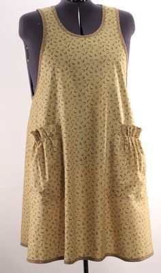 """Full-cut """"big girl"""" apron w/ no ties, just a pull-over with back cross-ties."""