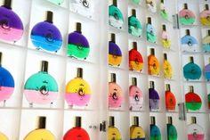オーラライト オーラソーマから派生したボトル型カラーセラピーの中で、最も愛好者が多いカラーセラピーです。色彩心理学やカラーテストなどをもとにしており、オーラソーマと比べるとロジカル(論理的)な印象を受けるカラーセラピーです。