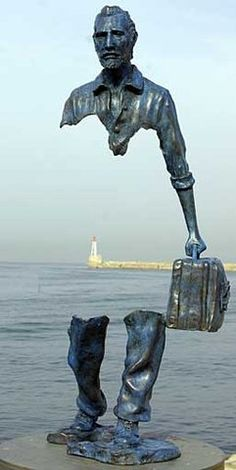 "A sculpture of Vincent van Gogh. Implied line to the extreme.French Sculptor Bruno Catalano ) ""Le Grand Van Gogh"" on the waterfront in Marseille, France. Street Art, French Sculptor, Art Sculpture, Bronze Sculpture, Freedom Sculpture, Abstract Sculpture, Inspiration Art, Wow Art, Land Art"
