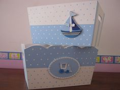 Resultado de imagen para cajas de madera pintadas a mano para bebes Baby Nursery Decor, Baby Decor, Kit Bebe, Baby Box, Kids Boxing, Wooden Boxes, Toy Chest, Wood Projects, Diy Furniture
