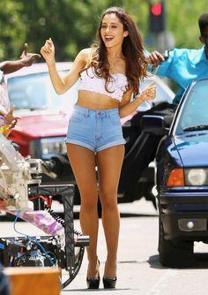 Ariana Grande in super high waisted denim