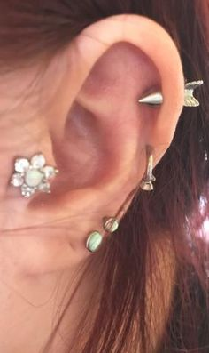 Arrow Cartilage Ear Piercing Jewelry - Cute ideas para perforar orejas - opal crystal tragus flower - double lobe earring - www.mybodiart.com