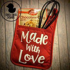 Teacher Gift Pot Holder Set Smart Cookie Gift Made with Vinyl Crafts, Vinyl Projects, Fun Crafts, Pot Holder Crafts, Pot Holders, Craft Gifts, Diy Gifts, Christmas Baking Gifts, Cookie Gifts
