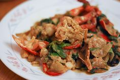 The most delicious and easy Cantonese Style Lobster Recipe. Way yummy! Will have to make this with crab next time. From Hungry Wanderlust blog.
