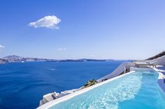 Are you planning your holidays or honeymoon in Santorini Greece? Find here the best Santorini hotels with private pool and have an unforgettable trip. Santorini Suites, Best Hotels In Santorini, Santorini Travel, Santorini Greece, Greece Travel, Private Pool, Private Chef, Romantic Travel, Greek Isles