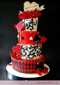 Red, Black White Cake... not my wedding colors, but i love it