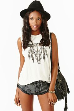 Feathered Skull Muscle Tee