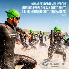 """Non arrenderti mai, perchè quando pensi che sia tutto finito, è il momento in cui tutto ha inizio. """"Ghandi"""" #Triathlon #motivation #ironman #racing #sprint #sports #running #runners #swimmers #swimming #swim #bike #run #quotes #bici #corsa #nuoto #force #fatica #sudore #traguardo #obbiettivo #resistenza"""