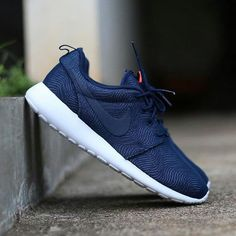 Nike Roshe One Print GS Size : 37  38  38.5  39 Price : IDR700.000  Color : midnight navy Original Made In Indonesia  Order : http://ift.tt/1LHdXsS BBM :58600791  #Onlineshop #ootd #sneakerhead #instadaily #instanusantara #sepatu #jualan #welcomereseller #trustedolshop #indonesia #fashionista #lifestyle #shopping #shoutout #sale #selfie #1 #style #swag #supplier #firsthand #asian #roshecouture