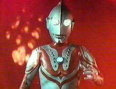 Zoffy - Capitão do Esquadrão Espacial e líder dos Irmãos Ultra, sua primeira aparição foi em 1967, no episódio final (n. 39), do primeiro Ultraman. Com numerosas aparições em produções posteriores, é um dos mais icônicos heróis da franquia Ultra, mesmo não tendo tido série de TV própria.