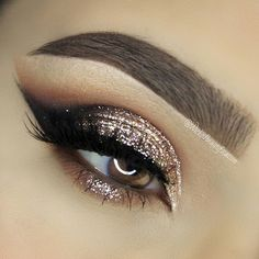 Glittery bronze eye makeup ✨