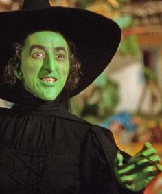 Margaret Hamilton- The Wicked Witch of the West. Margaret Hamilton- The Wicked Witch of the West. Wizard Of Oz Movie, Wizard Of Oz 1939, Margaret Hamilton, Witches Night Out, Halloween Town, Halloween Porch, Halloween Dress, Halloween Decorations, Land Of Oz