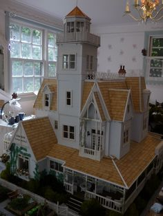 :: Practical Magic Dollshouse - This lady built an incredible 12th Scale Dollhouse replica of the Owens House ::