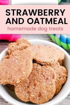 Strawbery Oatmeal Dog Treats Recipe made with 3 ingredients that are gluten free and healthy for your dogs. Made in only 15 minutes, your dogs will approve! #dog treat recipes Easy Dog Treat Recipes, Healthy Dog Treats, Dog Food Recipes, Homemade Dog Cookies, Homemade Peanut Butter, Make Dog Food, Strawberry Oatmeal, Pumpkin Dog Treats, Dog Snacks