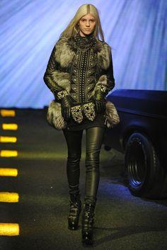 Die 20 besten Bilder von philipp plein   Fashion show, Heel boots ... f3530a3829