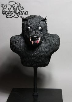 Sugar Myths and Fantasies-Werewolf - Cake by cakesbyoana Horror Cake, Gravity Defying Cake, Cupcake Cookies, Cupcakes, Creatures Of The Night, Halloween Cakes, Book Themes, Halloween Horror, Fancy Cakes