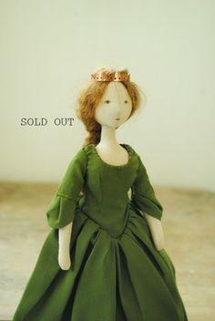Willowynn textile art buy online. Handmade soft toys, cloth dolls, soft sculpture animals. Designed and handmade in Australia by Margeaux Davis.