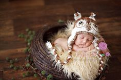 Newborn to 3 months baby girl boy unigender Owl hat earflaps brown white photography props handmade wool acrylic