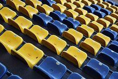 El asiento modelo PL7 se instaló en color amarillo y azul en el estadio del Club Atlético de Rosario Central.