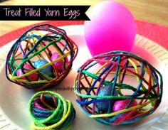Easter just got a whole lot cuter with these Treat Filled Yarn Eggs and you make them with so easily with a balloon! We've also included a cute Easter Bunny Basket. Spring Crafts, Holiday Crafts, Holiday Ideas, Yarn Balloon, Crafts For Kids, Diy Crafts, Bunny Crafts, Easter Treats, Easter Gift