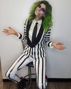 Beetlejuice Halloween Costume, Best Diy Halloween Costumes, Looks Halloween, Halloween 2019, Halloween Cosplay, Halloween Outfits, Beetlejuice Makeup, Halloween Halloween, Halloween Costumes Women Scary