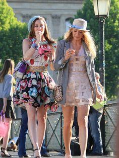 Ooh la la!  Google Image Result for http://photos.posh24.com/p/887303/l/gossip_girl/gossip_girl_takes_on_paris.jpg