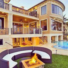 Luxury House Interior Design Tips And Inspiration Dream Home Design, Modern House Design, My Dream Home, Placard Design, Mediterranean Homes Exterior, Dream Mansion, Luxury Homes Dream Houses, Dream Homes, Dream House Exterior