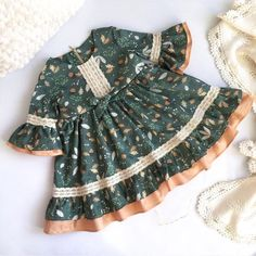 Baby Girl Birthday Dress, Little Girl Dresses, Frocks For Girls, Kids Frocks, Sewing Baby Clothes, Cute Baby Clothes, Kids Outfits Girls, Girl Outfits, Toddler Fashion