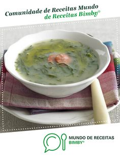 Caldo verde de Equipa Bimby. Receita Bimby<sup>®</sup> na categoria Sopas do www.mundodereceitasbimby.com.pt, A Comunidade de Receitas Bimby<sup>®</sup>. Cheeseburger Chowder, Food And Drink, Ethnic Recipes, Thumbnail Image, Wedding House, Robots, Spices, Dishes, Interesting Recipes