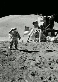 20 de julio de 1969, el día que  informan a Alexander y Tatiana que Anthony ha desaparecido, el mismo día que el hombre llega a la luna.