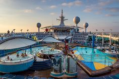 Navigator of the Seas | Fun in the sun is what this deck is all about thanks to both the solarium pool and bar, and also the many additional pools surrounded by delicious bars and restaurants.
