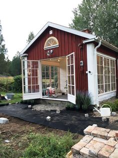 Cottage Design, Cottage Style, Swedish Cottage, Sweden House, Red Houses, Garden Deco, House By The Sea, Forest House, Tiny House Living