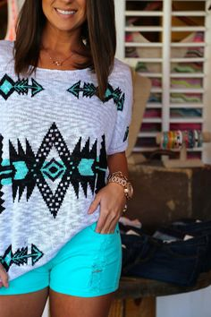 Aztec Lightweight Knit Top + Turquoise Shorts = perfect summer or spring outfit! so pretty! Beauty And Fashion, Look Fashion, Passion For Fashion, Fashion Outfits, Womens Fashion, Fashion Tips, Fashion Trends, Blue Shorts, Stylish Clothes