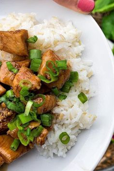 Last nights dinner wasn't beautiful...but it was yummmm! It also only took about 20 minutes! Bourbon Chicken, White Rice, Serving Dishes, Chicken Recipes, Curry, Stuffed Peppers, Dinner, Ethnic Recipes, Beautiful