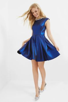 Robe Ayma, satinée bleue, style patineuse - Ted Baker