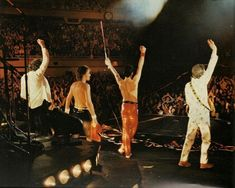 Queen on Stage. Queen Pictures, Somebody To Love, Queen Freddie Mercury, Queen Band, I Still Love You, John Deacon, Save The Queen, Cool Bands, Concert