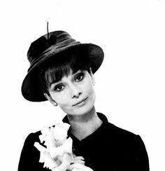 Audrey Hepburn.....Uploaded By  www.1stand2ndtimearound.etsy.com