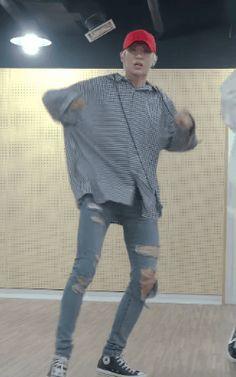 tummy flash #Leo #Taekwoon #VIXX #Scentist dance practice