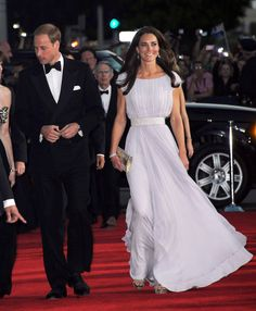 Kate Middleton Photos - The Duke and Duchess of Cambridge Attend BAFTA Brits To Watch Event - Zimbio Kate Middleton Stil, Estilo Kate Middleton, Kate Middleton Dress, Princesa Kate Middleton, Kate Middleton Photos, Duchess Kate, Duke And Duchess, Duchess Of Cambridge, Catherine Cambridge