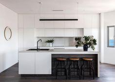 est-living-open-house-bondi-apartment-simon-baker-denny-mcgrath.11