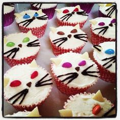 KateMakesCake: Kitty Cat Cupcakes