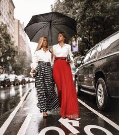 Fantastic looks‼️🌟🙌🏼 . by Outfits Whit Tzniut🙌🏽 Fashion 2020, Fashion Week, Paris Fashion, Fashion Show, Autumn Fashion, Fashion Trends, Street Style 2018, Street Chic, Mode Chic