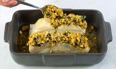 A crosta de broa e ervas adiciona um sabor extra ao seu prato de peixe ou carne. Saiba como fazer crosta de broa e ervas aromáticas.