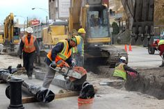 Crews will start replacing the water main under Lincoln Avenue from Lawrence to Montrose next week.