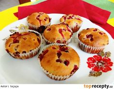 Rybízové muffiny s jogurtom Carrot Cake, Carrots, Food And Drink, Cupcakes, Sweets, Cookies, Eat, Breakfast, Healthy