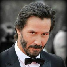 Keanu Reeves look. This Man is incredibly handsome. Keanu Reeves John Wick, Keanu Charles Reeves, Outfits Casual, Mode Outfits, Beirut, Keanu Reeves Quotes, Arch Motorcycle Company, Keanu Reaves, Blockbuster Film