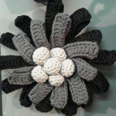 Broche de ganchillo #ganchillo #crochet#broche
