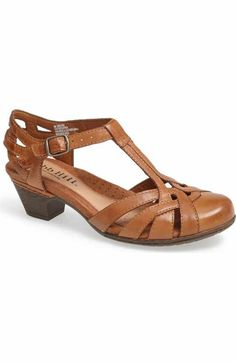 Free shipping and returns on Rockport Cobb Hill 'Aubrey' Sandal at Nordstrom.com. Crafted from sumptuous burnished leather, an airy, versatile sandal features delicate contrast stitching, pretty woven straps and an adjustable buckle closure for a custom fit.