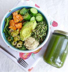Délicieux, équilibré, végétarien, les Buddha Bowls rassemblent plusieurs aliments cuits et crus, qui associés, apportent vitamines, minéraux, glucides, protéines et lipides. Faciles, rapides et sains, ils se composent de légumes, céréales, graines, légumineuses et oléagineux.